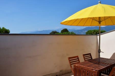 Appartamento con vista vicino al mare, FreeParking