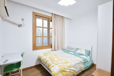 1 br nr yu garden  and bound - Shanghai