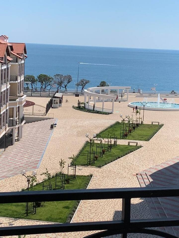 Квартира с великолепным видом на море и фонтан
