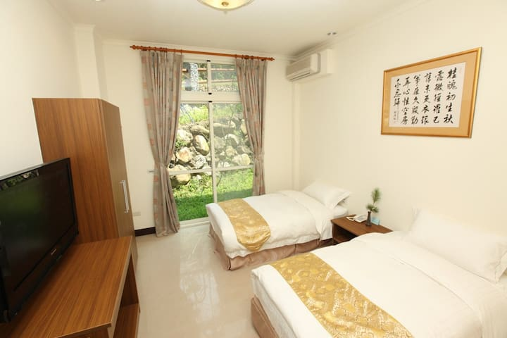 禪與松休閒養生會館-清幽雙人房 - Shuili Township - Pensió
