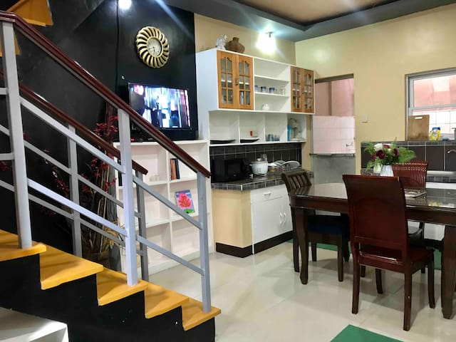 Apartment-Type Home Space Good for Family/Groups