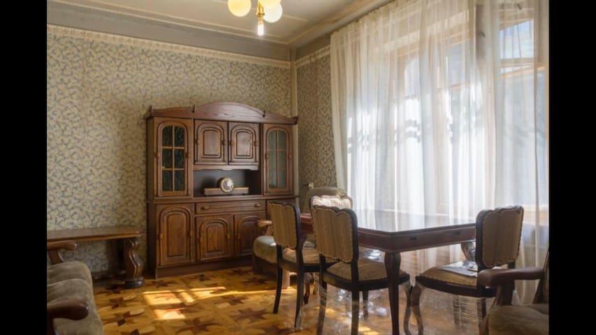 Квартира 2-ком. на Пушкинской, в ретро стиле.