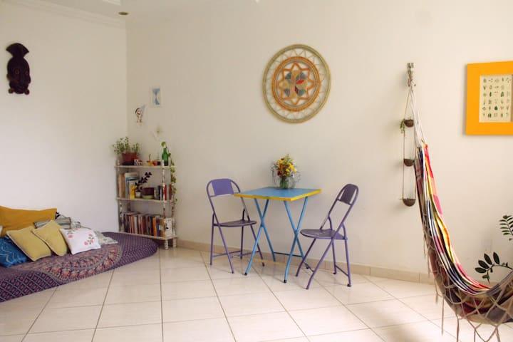 Quarto confortável pra 2 Centro Histórico Salvador