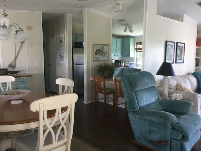 Barefoot Bay 2bed Beach House - Micco - Casa