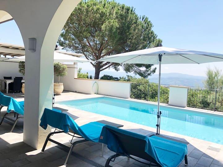 """Villa """"Tre Sorelle di Toscana"""" with private pool"""