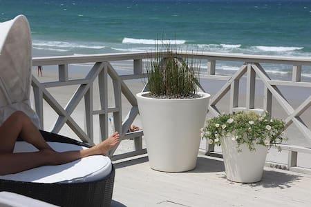 6877S - Direct Oceanfront - New Smyrna Beach - Hus