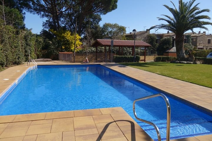 Apart with swimming pool in Calella de Palafrugell