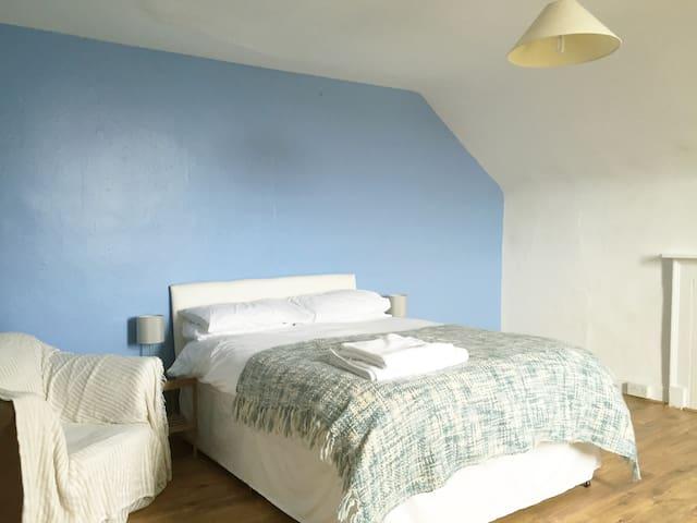 Double Bedroom in Victorian House - Wells - Talo
