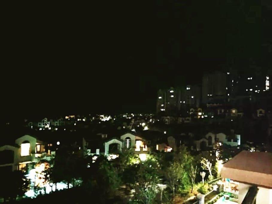 别墅外景夜色