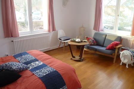 Chambre double avec salle de bain - Offemont - Haus