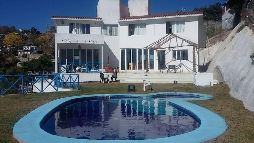 Cuarto privado con vista al mar - Manzanillo - House