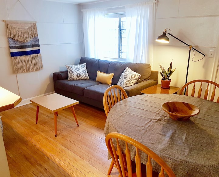 Private 1 Bedroom Suite - Great Location!