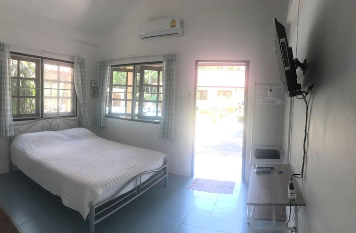 Khaopilai Bungalows / Room No.2