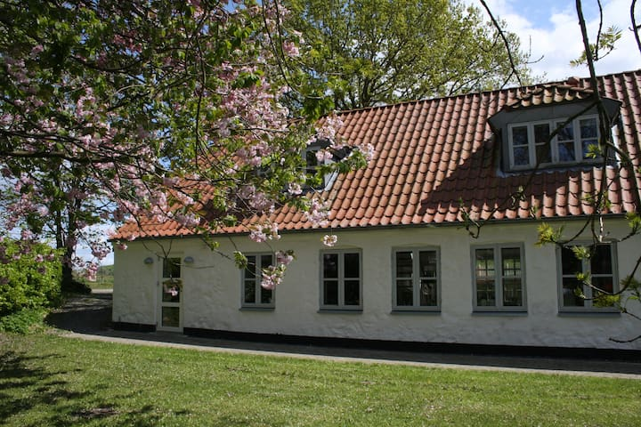 Land-idyl nær Aarhus - Gammel Harlev - Dům