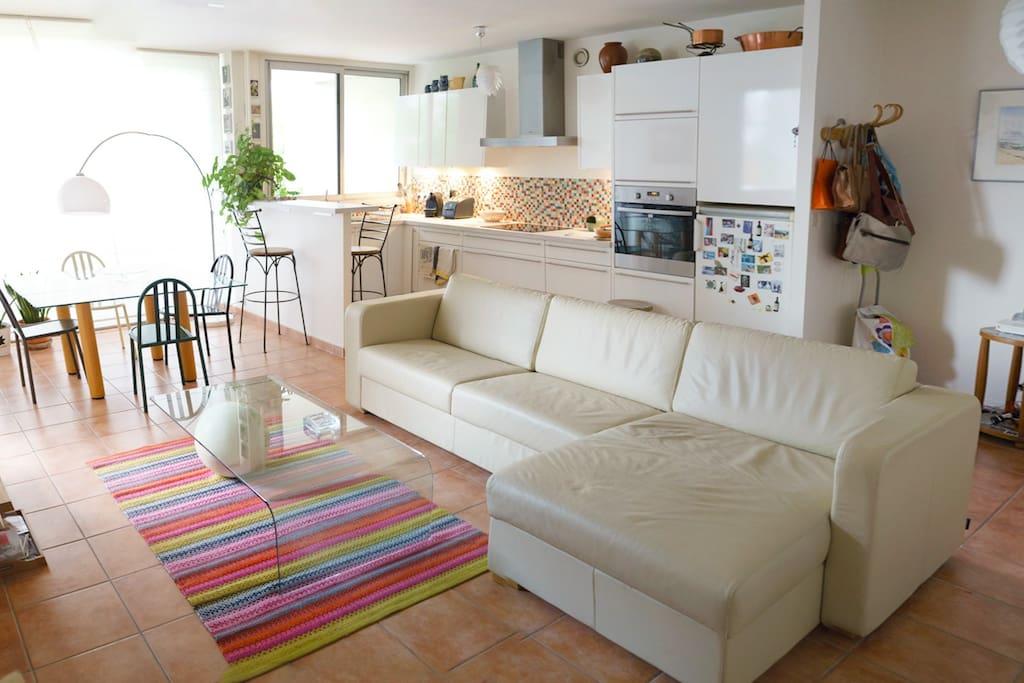 Appartement familial aux porte de Paris, avec Internet et place de parking (en sous-sol)