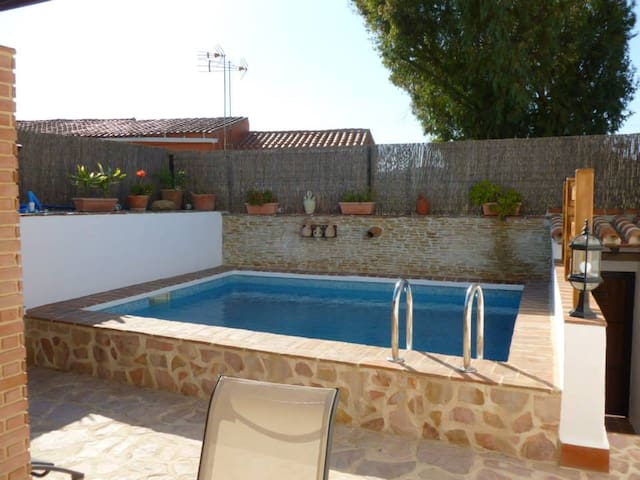 La Casa Rustica 33 Pool House