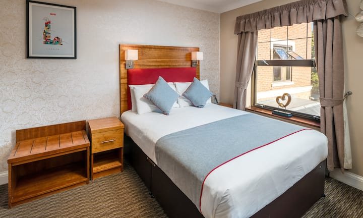 OYO Mehfil Hotel, Standard Single Room