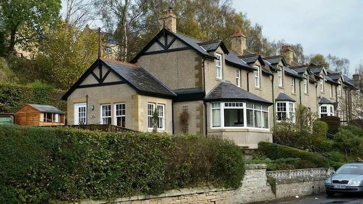 Idyllic Riverside Cottage