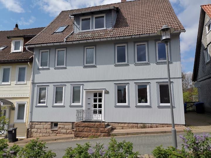 Tolles Ferienhaus + Garten (15-22 Pers.) im Harz!