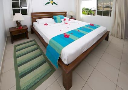 Villa Koket 1 Bedroom Self Catering,  Sea View