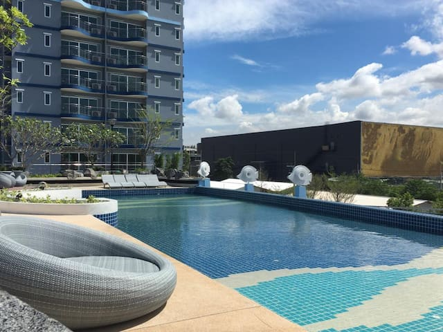Modern Studio Supalai Mare with H-speed Wifi - Muang Pattaya