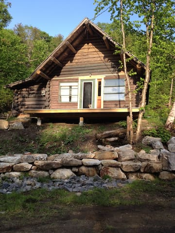 Log Cabin w/Lake Access! Near KT! - Newark
