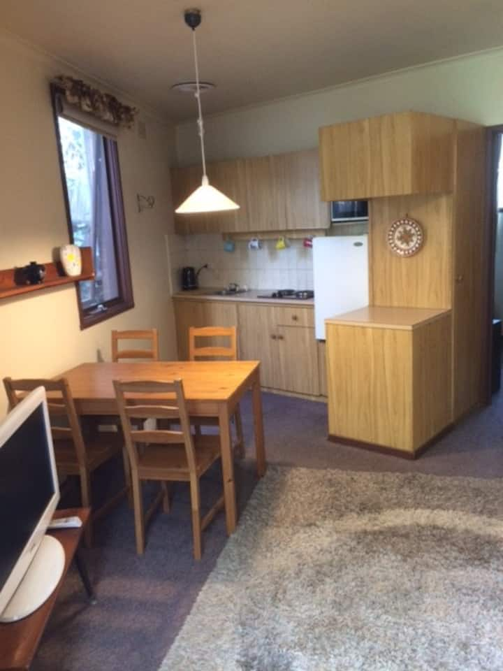 Private, fully furnished/equipped Grannys Flat