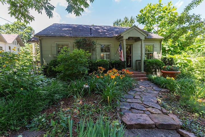 NEW! Garden Cottage * On Park Ave. at Wilson Park+