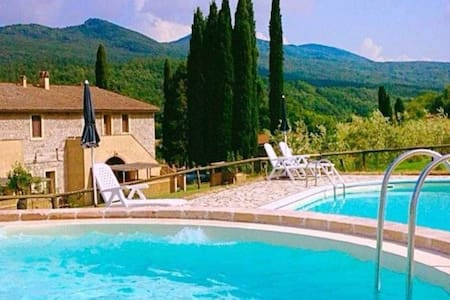 Romantic apartment in farmhouse with pool - Chianni
