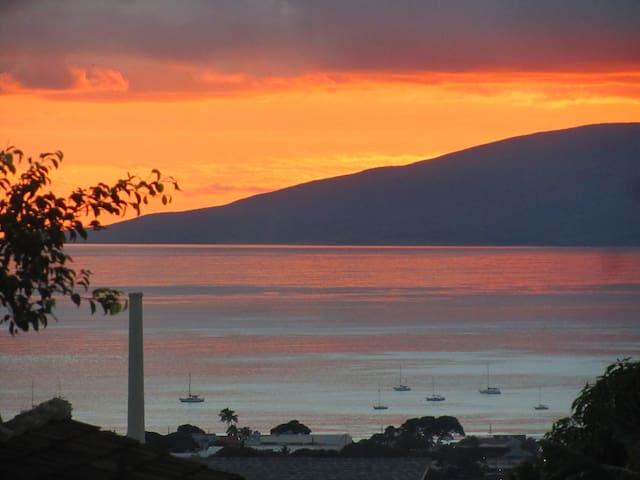 Beautiful Sunset Views! - Lahaina - Talo