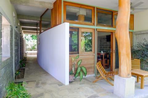 Amazing Studio Apt with Pool - Close to Beach