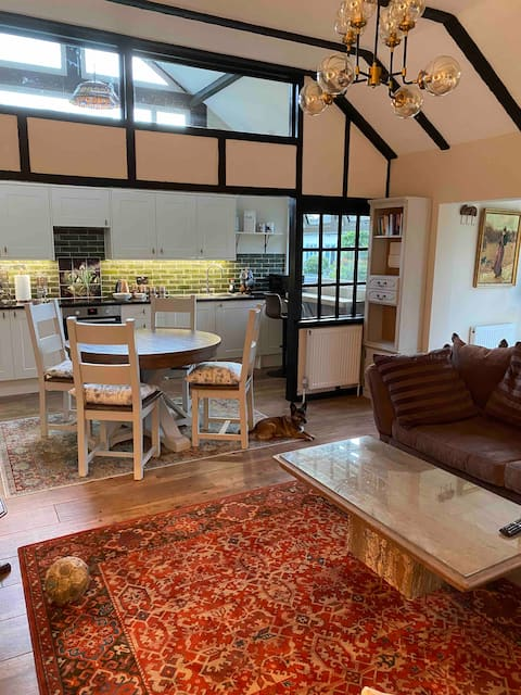 Luxury one bedroom cottage with outstanding views