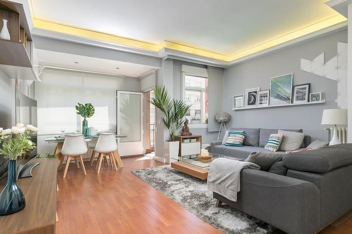 Apartment of 85 m2 next to the RETIRO -6PAX-WIFI