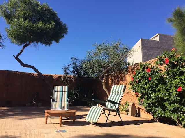 Gîte Le Nomade Appartement privé  2 à 5 personnes - Mirleft - Allotjament sostenible a la natura