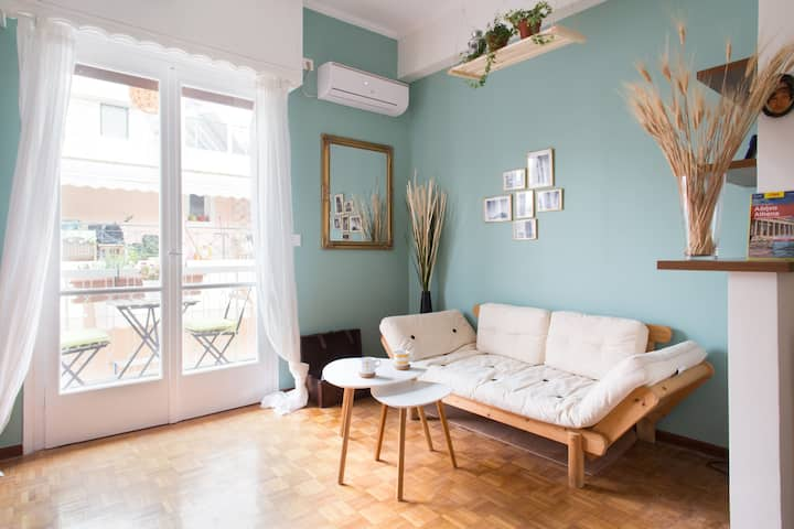 Sunny design apartment in charming neighborhood