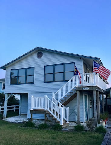 Quiet Island Beach House - Oak Island - Maison