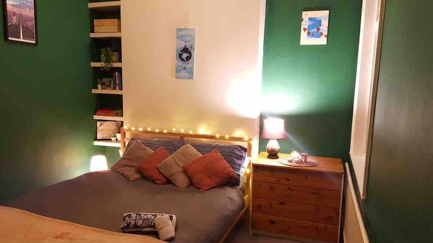Private room North London Garden Flat