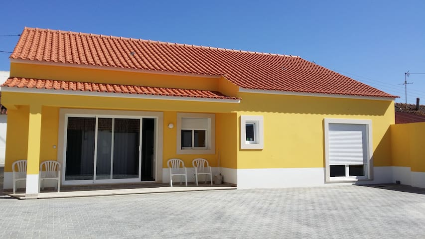 Espetacular moradia T3 no centro de Portugal - Manique do Intendente - Holiday home
