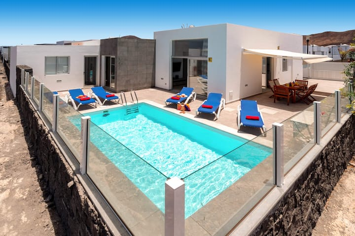 Holiday Home Villa Blue Horizont with Sea View, Mountain View, Garden, Terraces & Shared Pool; Small Pets Allowed