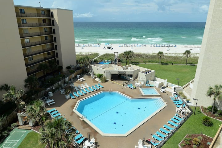 New! Grab your SUNGLASSES & FLIP-FLOPS! Ask about special snowbird rates