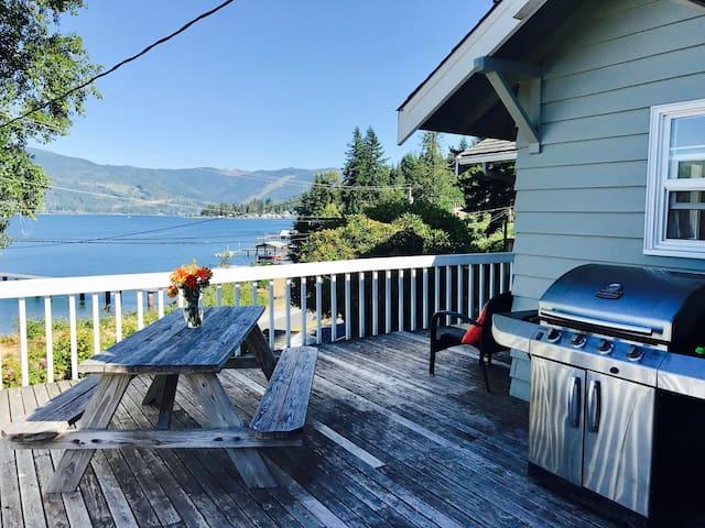 Beautiful Lake Whatcom Cabin