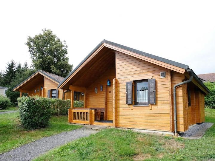 Ferienhaus Jägerpark Viechtach 17, Hallenbad, WLan und Energiekosten inklusive