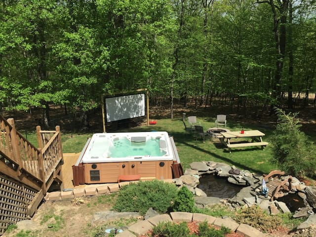 Private Room Backyard Hot tub - Bushkill - Apartamento