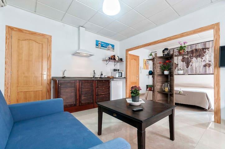 luminoso y cómodo apartamento en e corazón de alc
