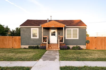 "Kansas Cottage,  ""Home away from Home!"""