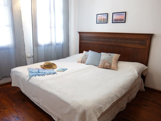 Comfy bed with feather foam mattress