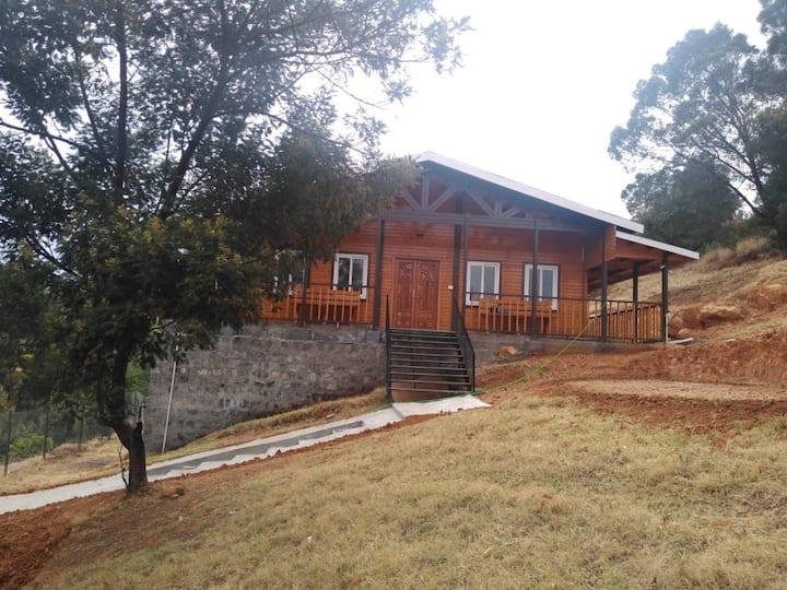 Idyllic 2BH Cottage nestled within Tea Estates.