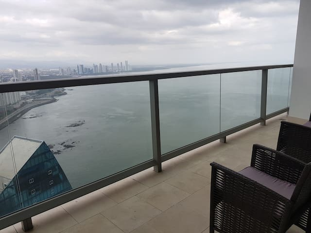 "THE OCEAN CLUB PANAMA-ONE BEDROOM HIGH FLOOR ""A"""
