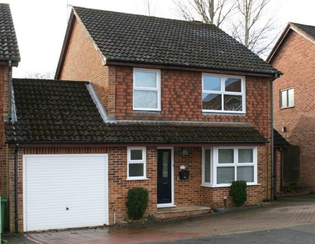 3 Bedroom home, Basingstoke, quiet area.