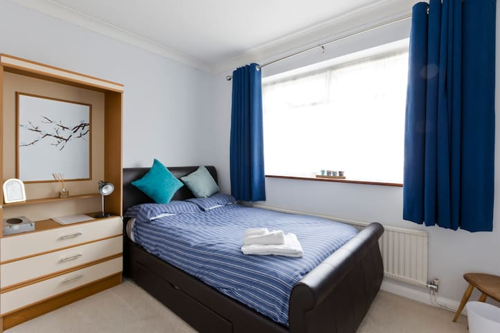 Perfect Short Stay Retreat - Taplow - Hus